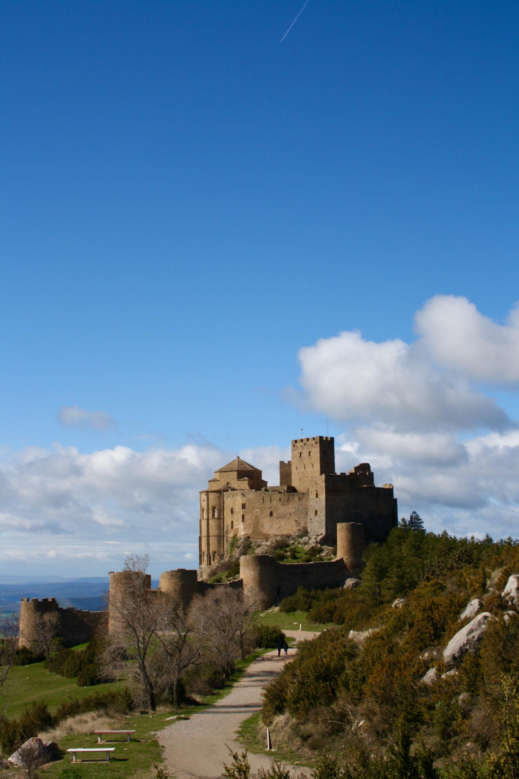 castillos de aragón Vistas desde la explanada del Castillo de Loarre